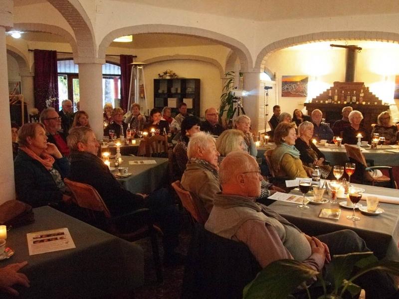 01.-Publikum-im-La-Bresca-29.-11.-2017