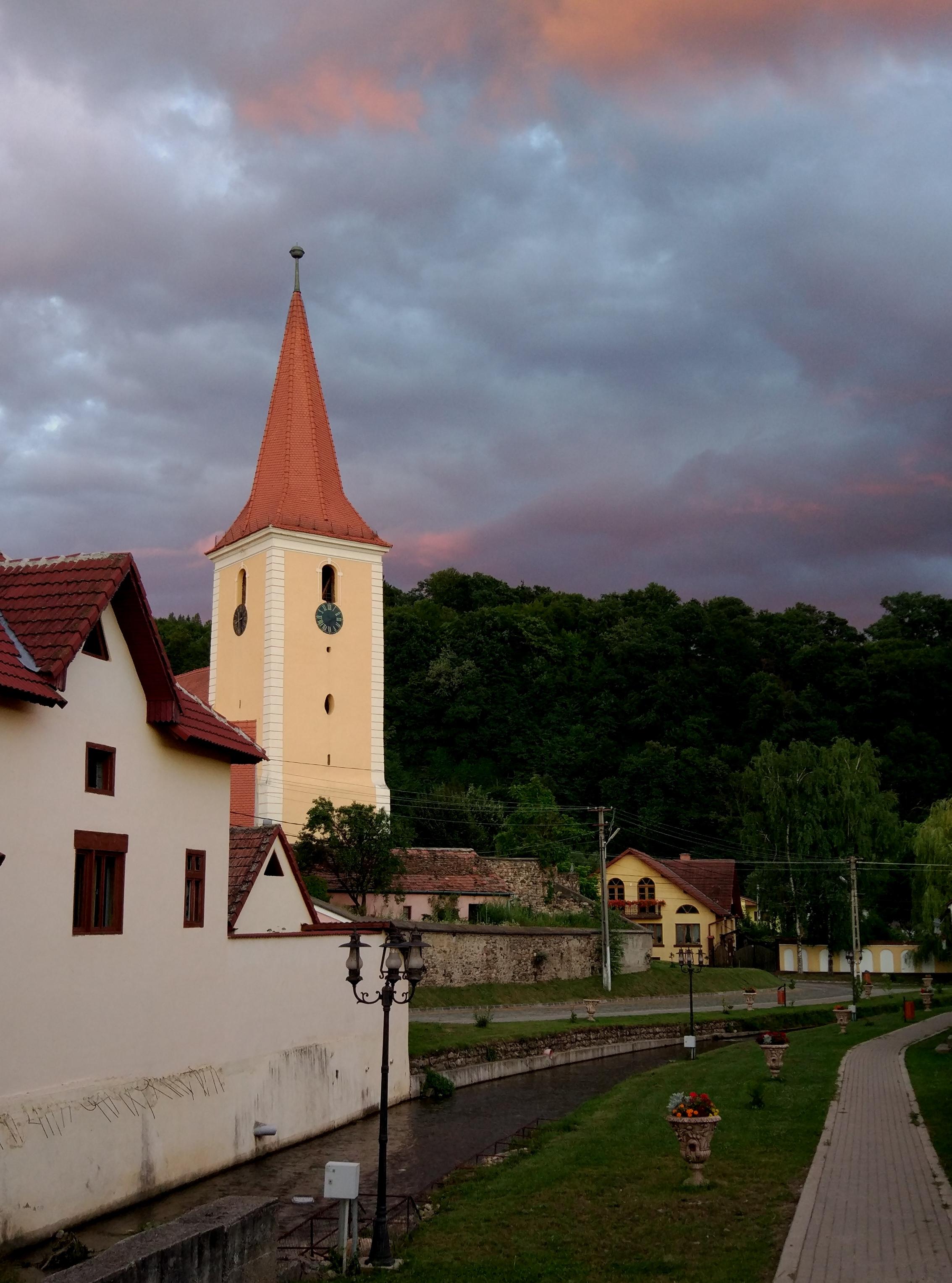 Rothberg mit Kirche