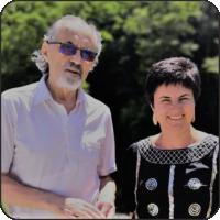 Fotografie: Gheorghe Păun și Gabriela Căluțiu Sonnenberg, la cetatea Poenari, în iunie 2019